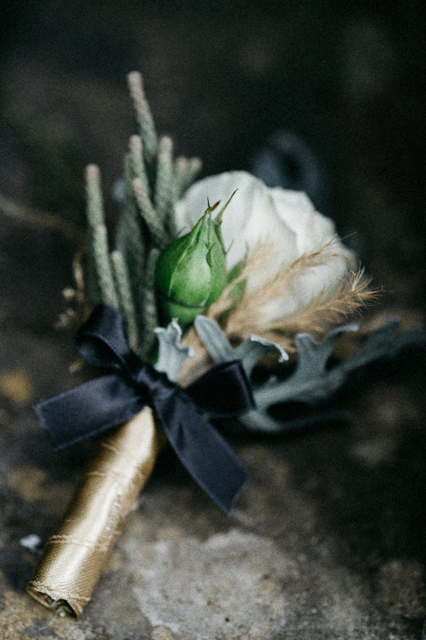 Style Shoot in Tuscany, Italy wedding boutonneire inspiration
