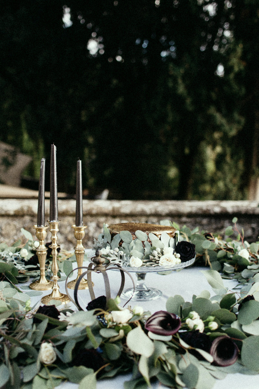 Style Shoot in Tuscany, Italy wedding cake table decoration ideas