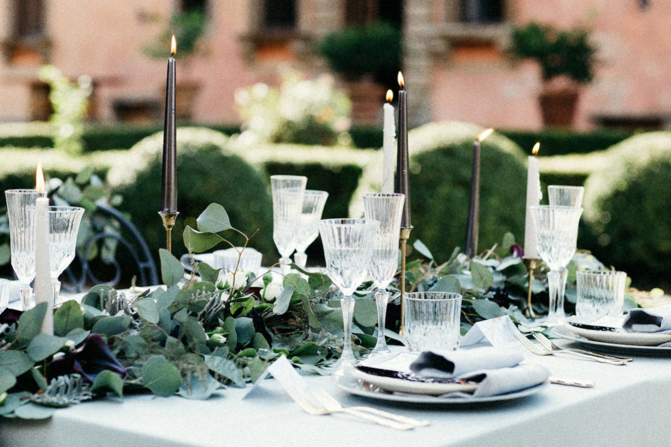Style Shoot in Tuscany, Italy wedding decor idea for table setting ...