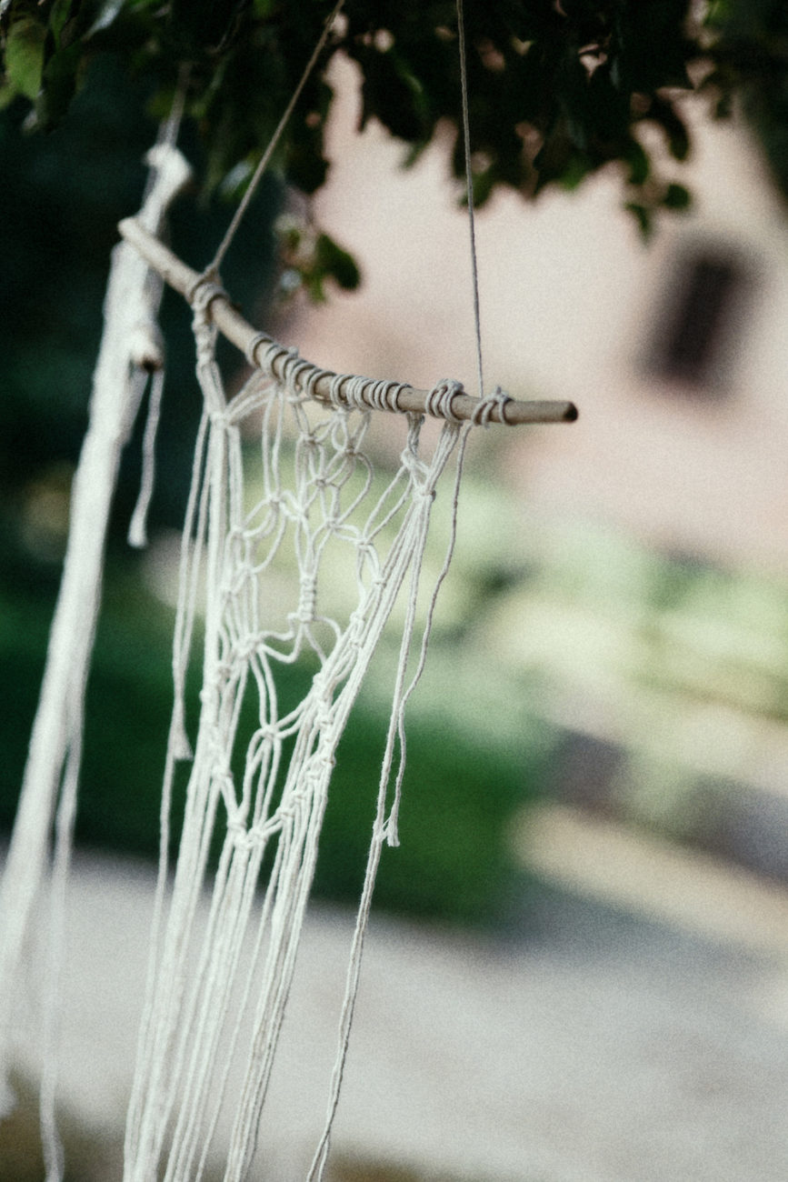 Style-Shoot-in-Tuscany-Italy-wedding-decoration-ideas-for-garden