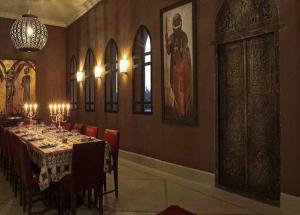 Luxury Wedding in Morocco Villa Marrak small intimate dining room