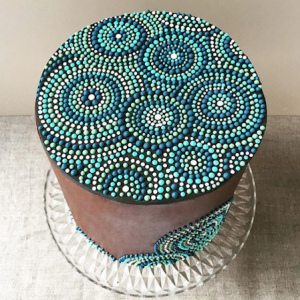 luxury wedding cake designers blue and green balls