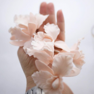 5 wedding cake designers orchids