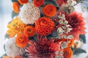 5 wedding cake designers sugar flowers orange