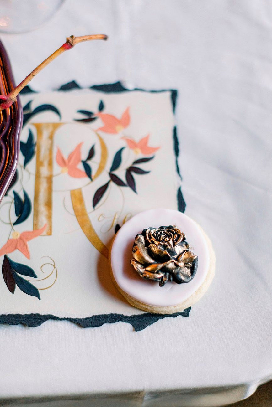 Baroque wedding inspiration with a place name and small rose cake