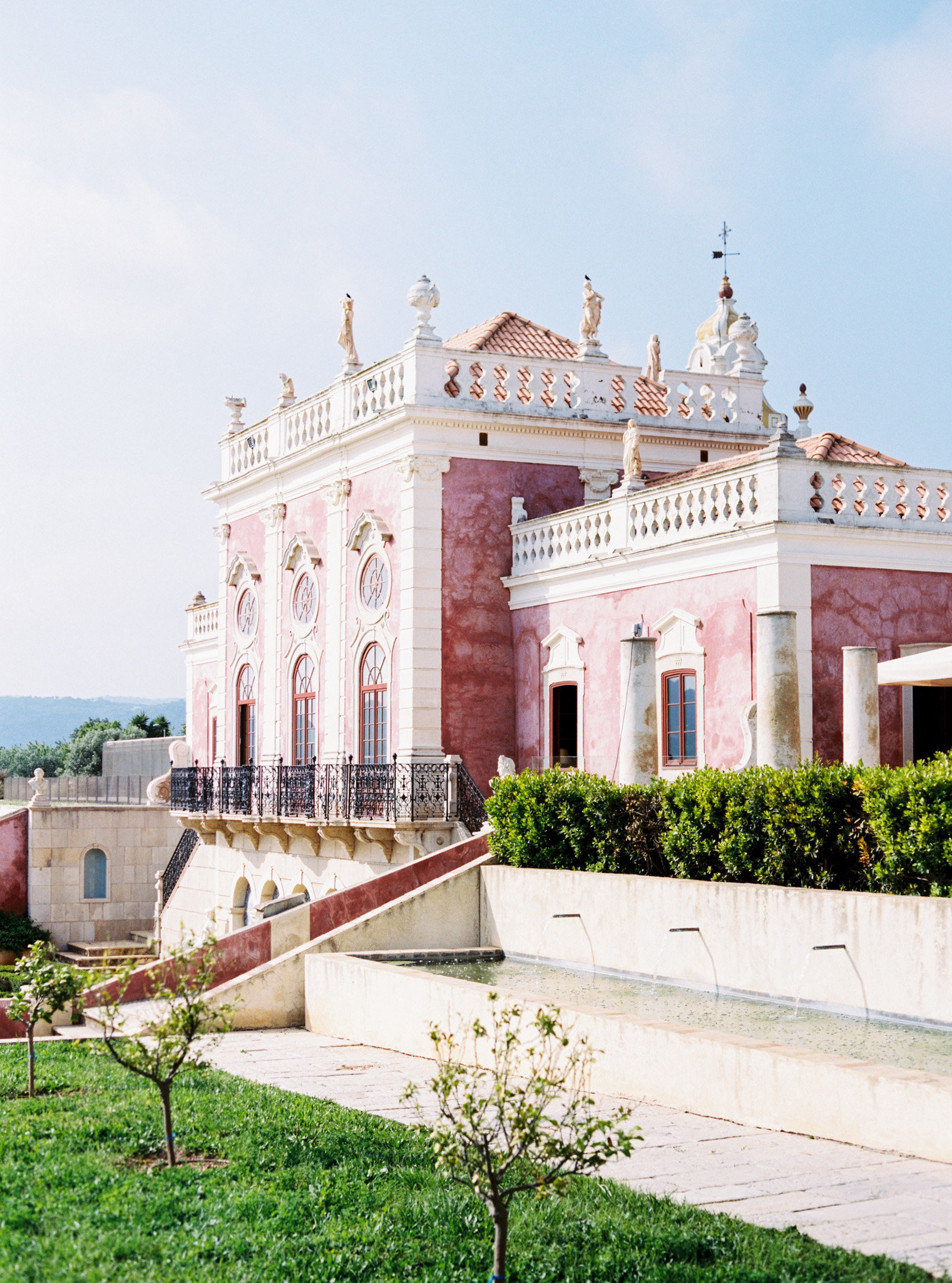Destination wedding venue, Estoi Palace in the south of Portugal