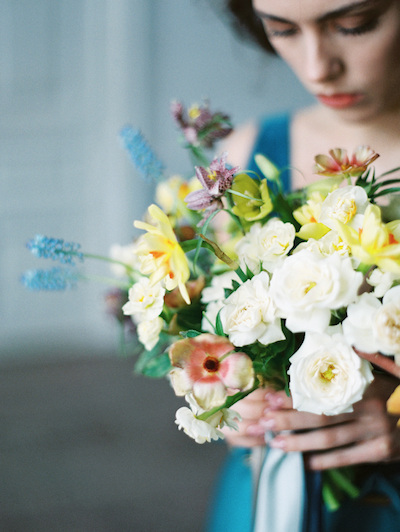 Fine Art Wedding Inspiration bridal bouquet with white roses and daffodils