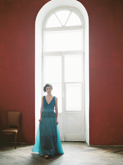 Fine Art Wedding Inspiration classical apartment in saint petersburg bride with front view