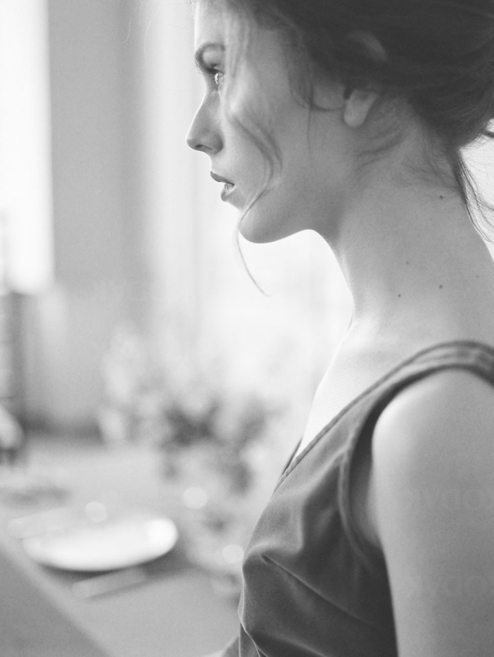 Fine Art Wedding Inspiration with a black and white side view of the bride