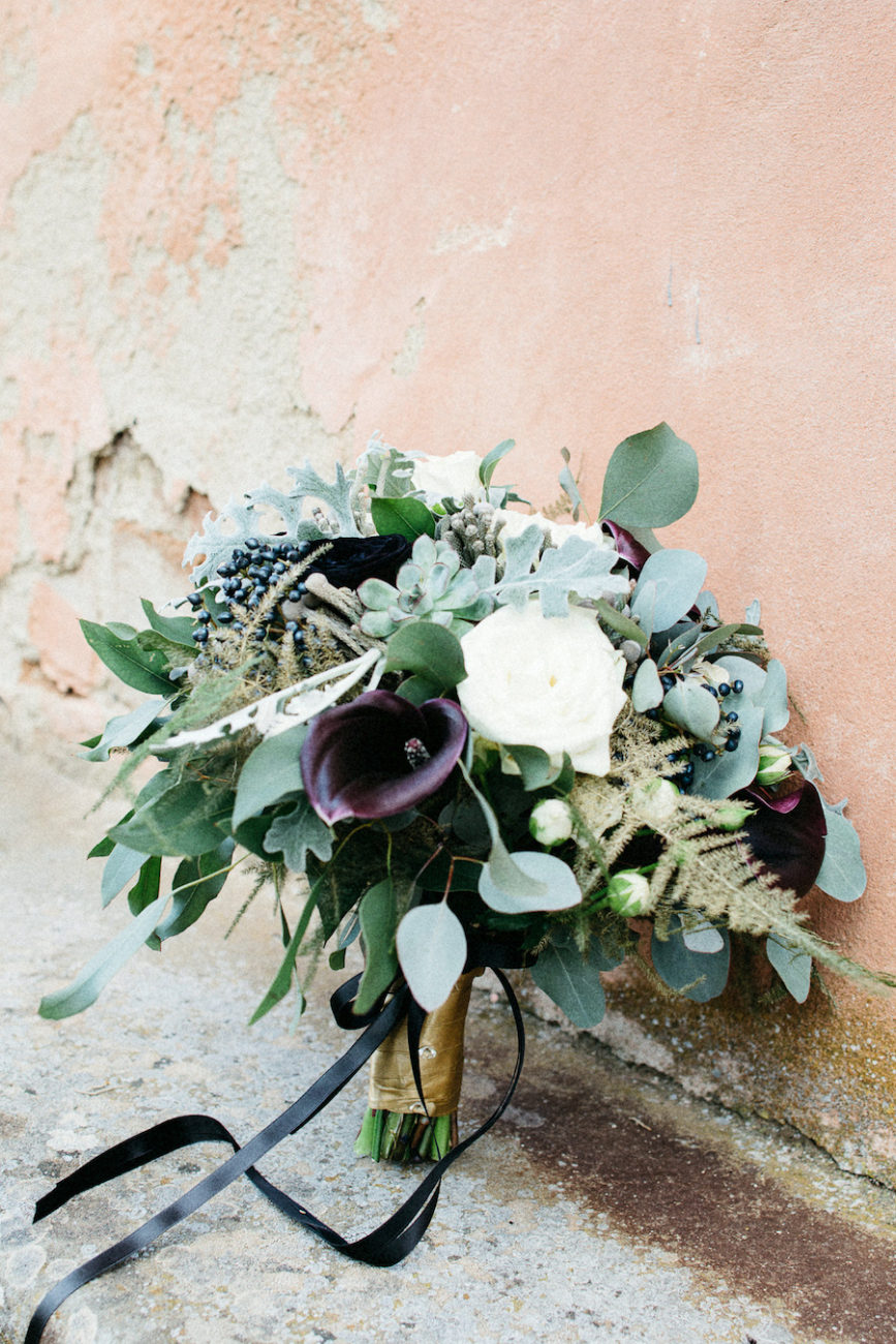 Style Shoot in Tuscany, Italy bridal bouquet with dark colours