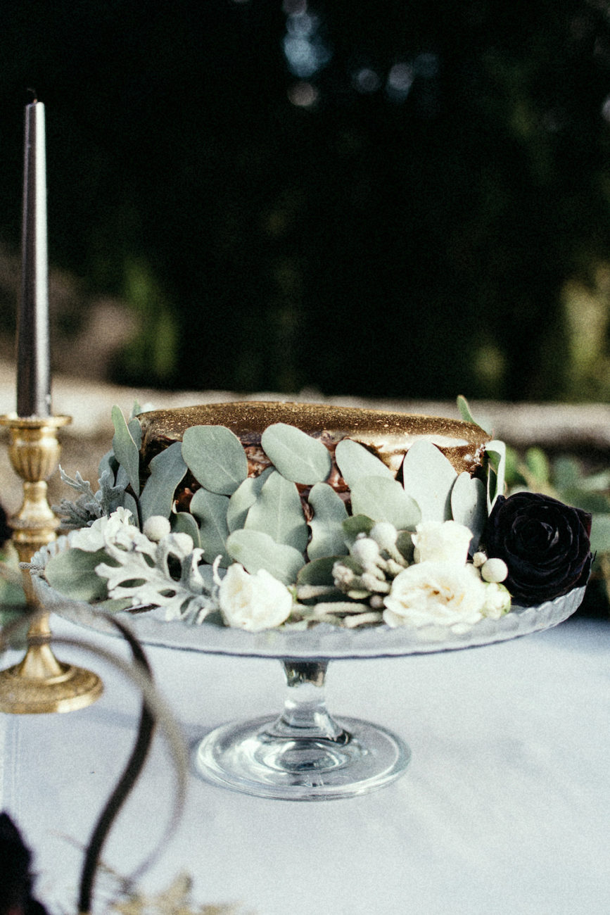 Style Shoot in Tuscany, Italy chocolate and gold wedding cake