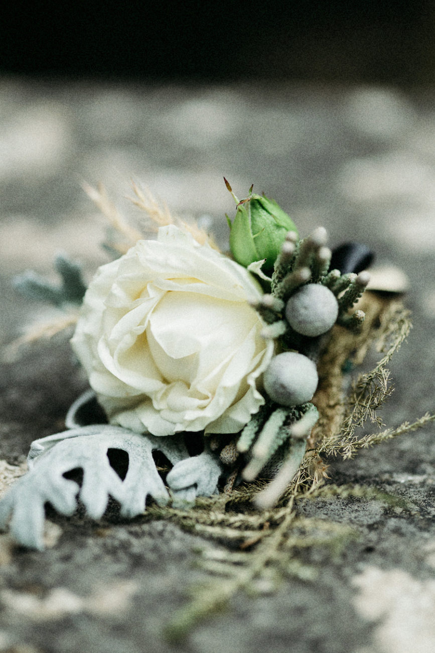 Style Shoot in Tuscany, Italy wedding flowers inpsiration bouts