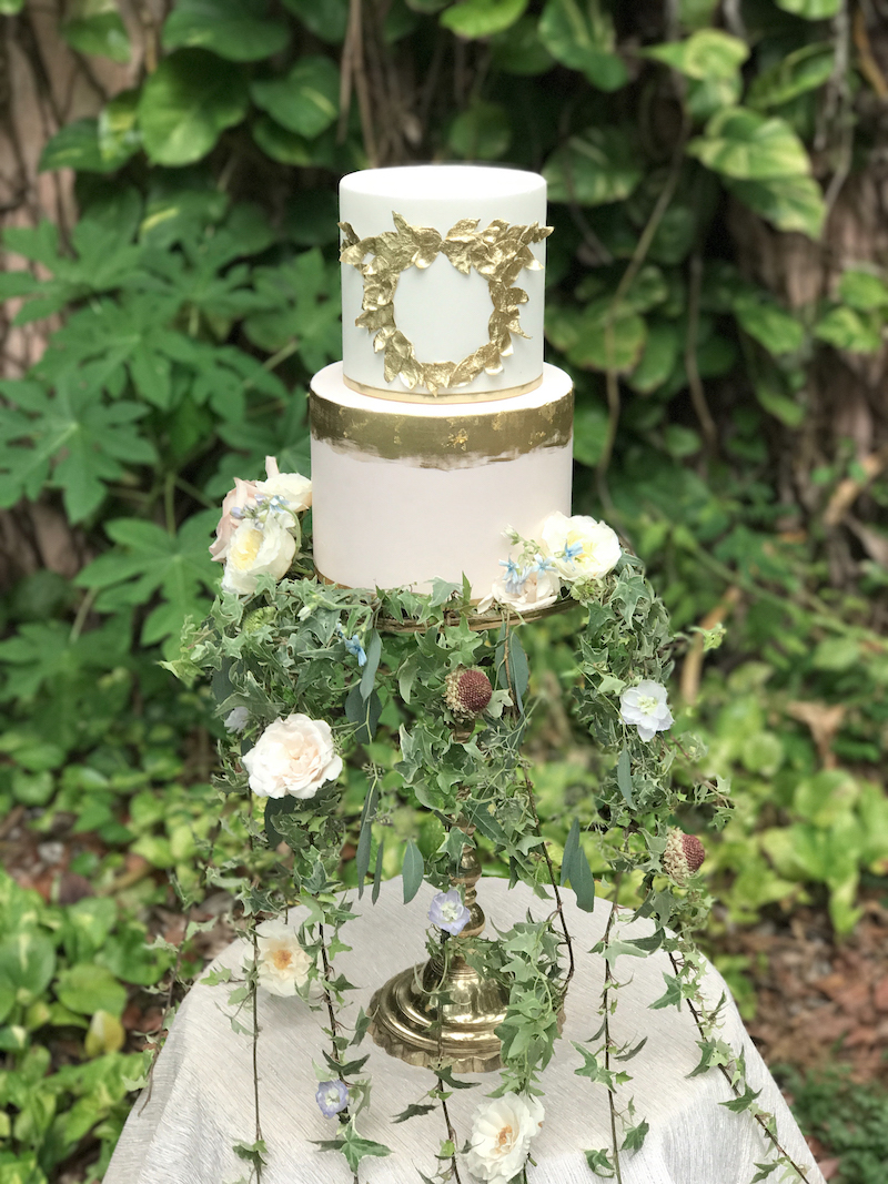 Vizcaya Wedding Inspiration weddign cake with gold leaf design to match the wedding invitations
