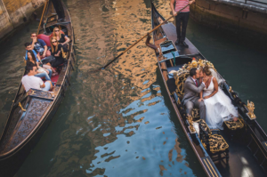 Best Destination Wedding Venice couple on a boat