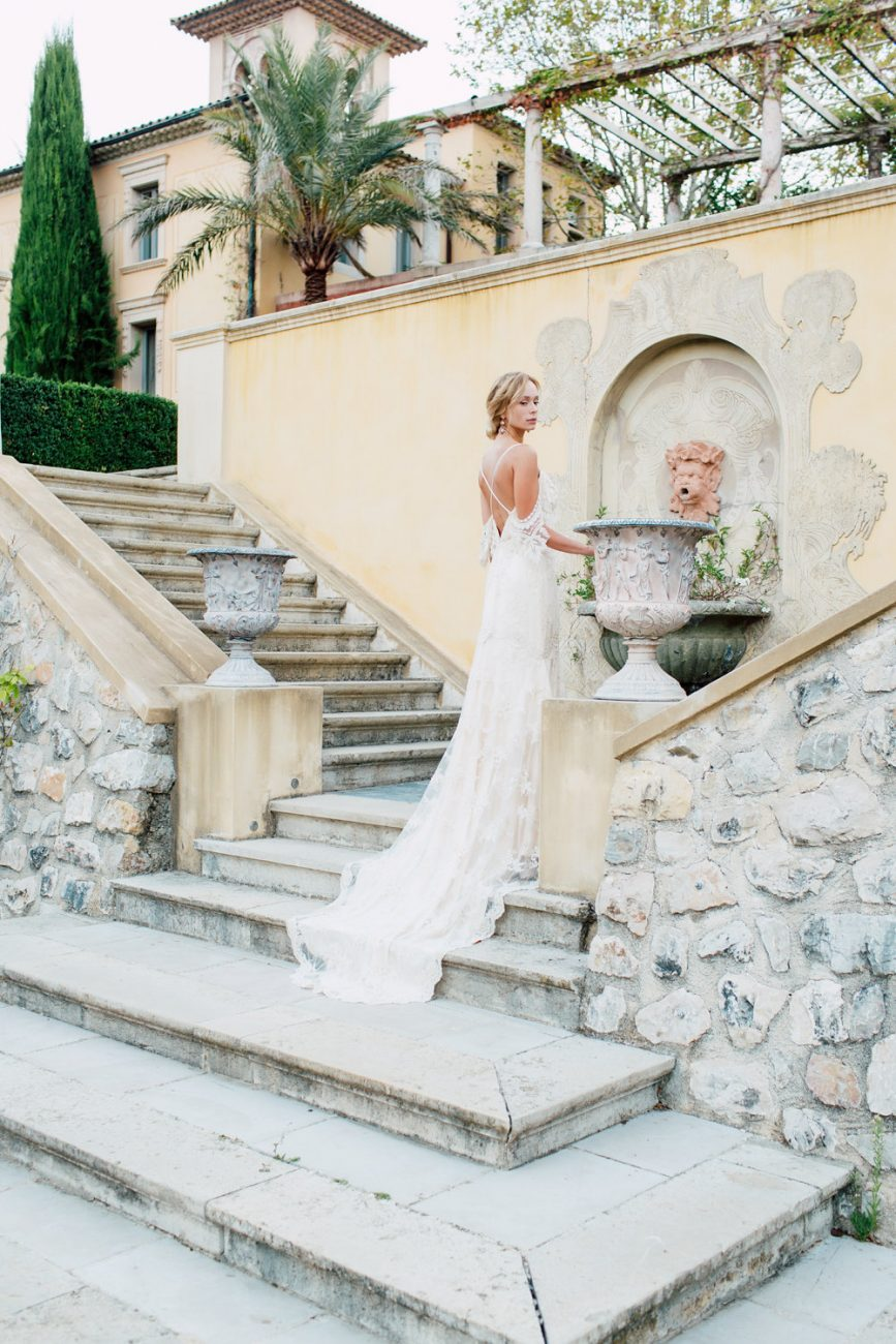 French Wedding Inspiration steps and model