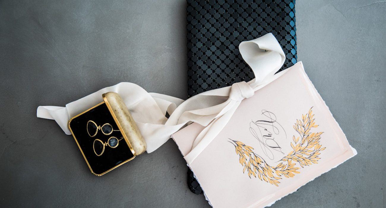Latest Wedding Invitation Trends for 2019_vow book