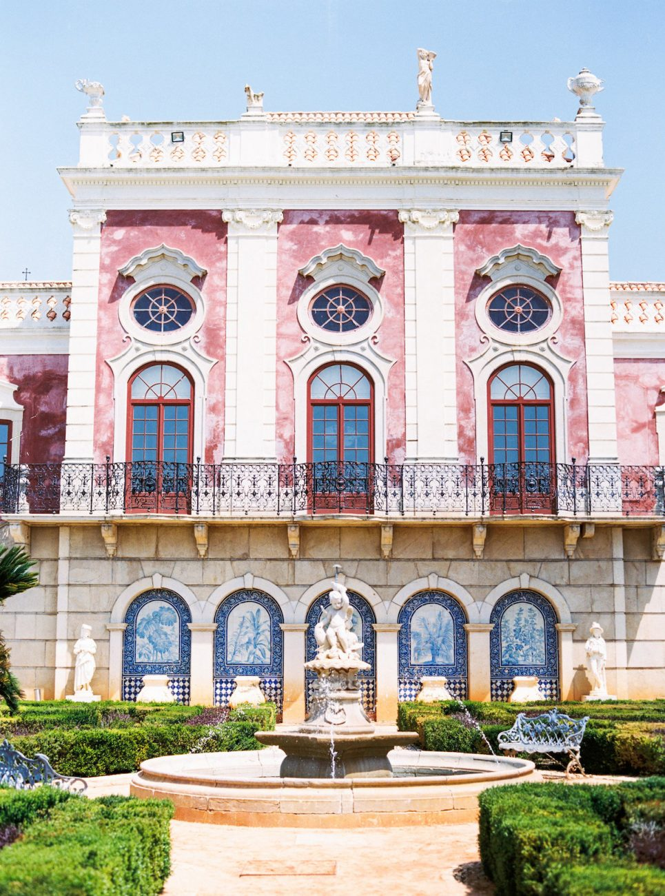 Estoi Palace in the South of Portugal for destination wedding venue