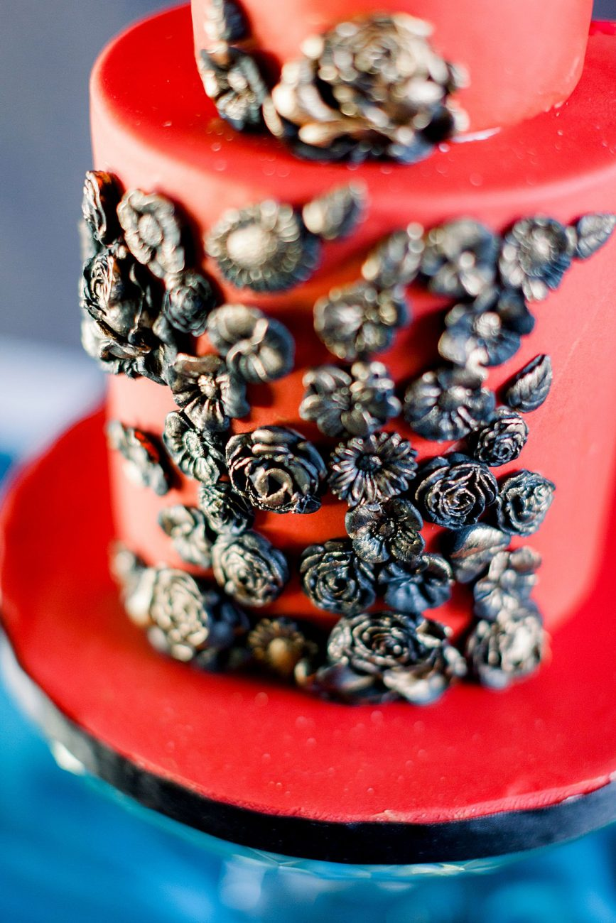 Baroque Wedding cake with red black and gold details