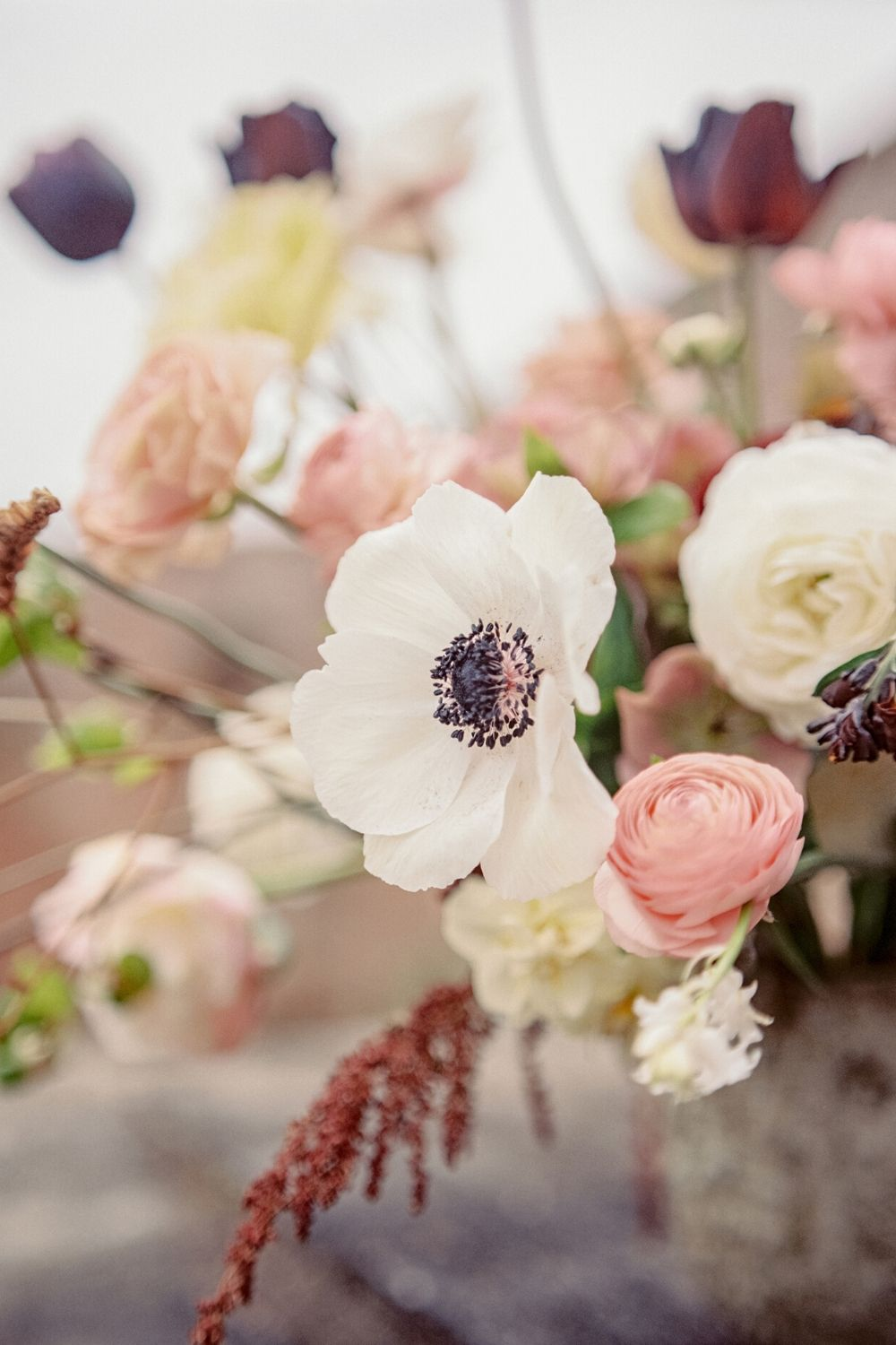 Light floral wedding inspiration with white anemones