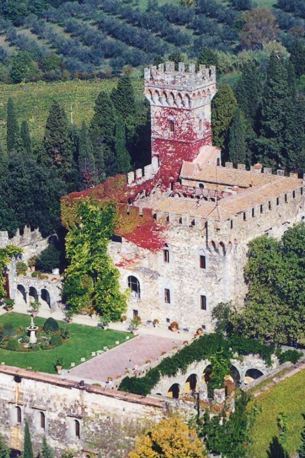 Castle Castello Di Vincigliata, a castle for a destination wedding in Italy